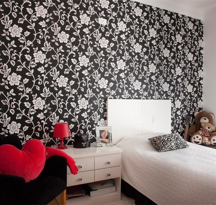 Papel de parede floral textura lisa.