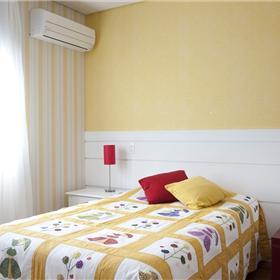 Papeis de parede, floral liso e listrado com textura.